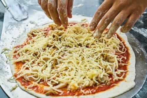 冷凍ピザは業務用を選ぶ理由②トッピングの具材をごまかせない