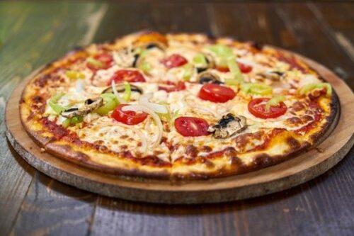 【料理人が解説】通販の冷凍ピザは絶対に「業務用」を選ぶべき7つの理由