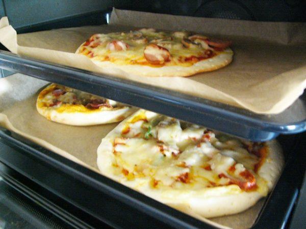基本的な焼き方③冷凍ピザを焼く