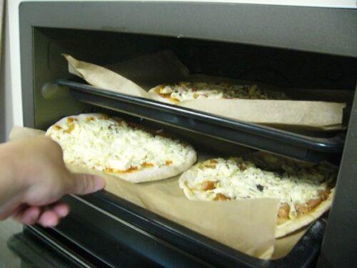 通販でおすすめ冷凍ピザの作り方コツ